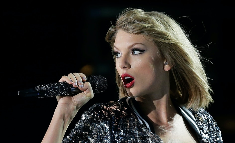 "Taylor Swift\'s Behind-The-Scenes Video For ""Delicate"" Is Making Fans ..."