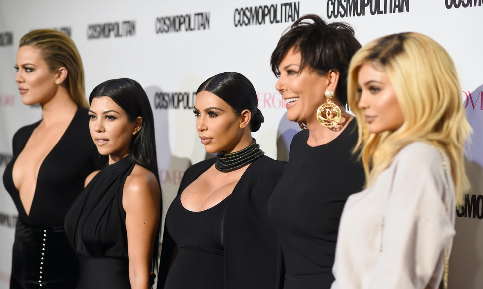The Kardashians Celebrating Christmas On \'Keeping Up With The ...