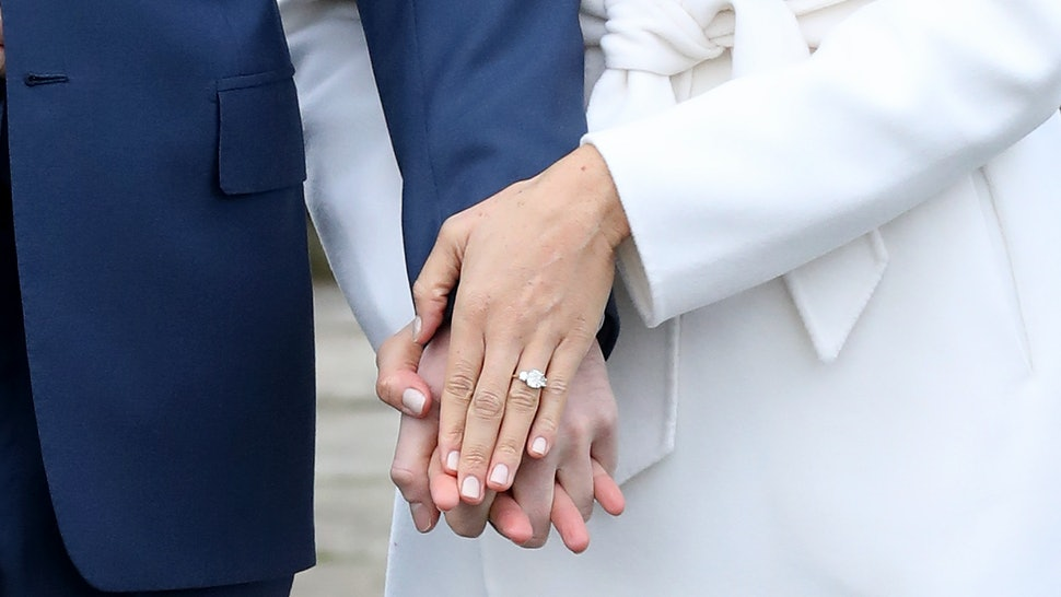 How Much Is Meghan Markle S Engagement Ring Worth The Custom Ring