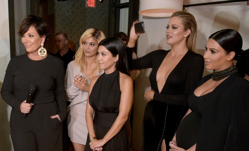 The Kardashian Christmas Card Probably Looks Familiar To You For ...
