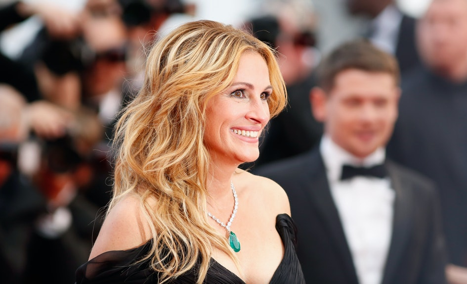 Julia Roberts Red Hair Has Pretty Woman Vibes Im Ready To Go