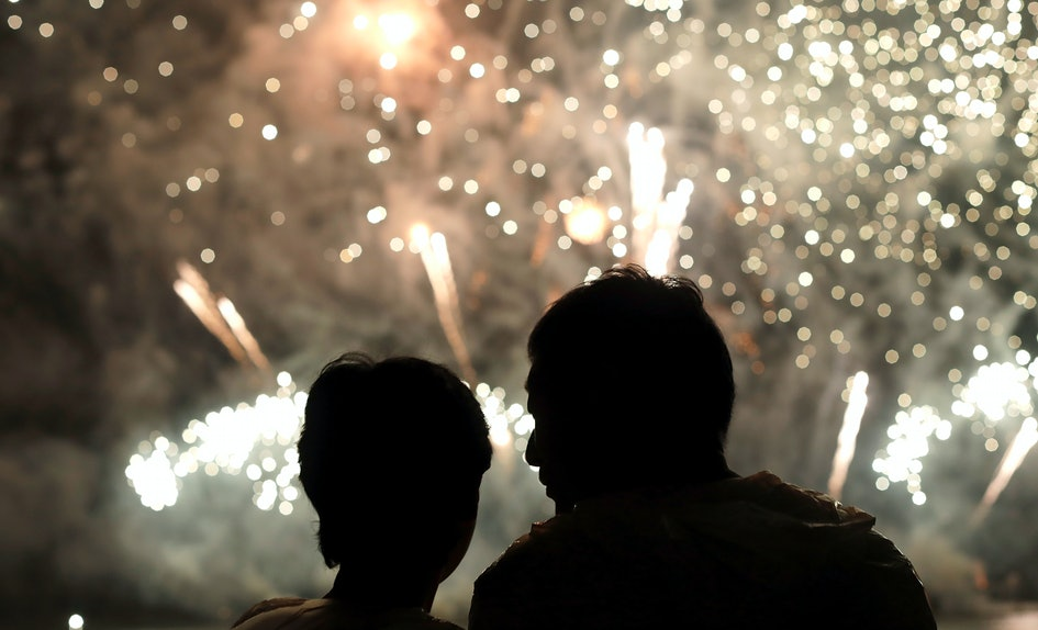 are fireworks legal heres what you should know before setting them off on new years eve