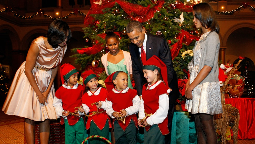 The Obamas 2017 Christmas Photo Is Spreading The Best Kind Of