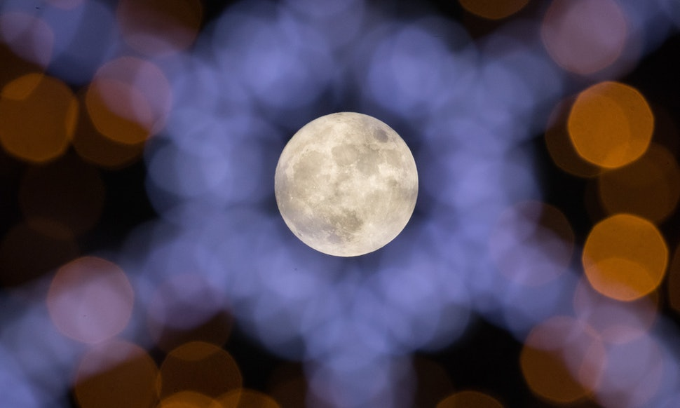 Why Is The January Moon Called The Wolf Moon Heres How It Got Its