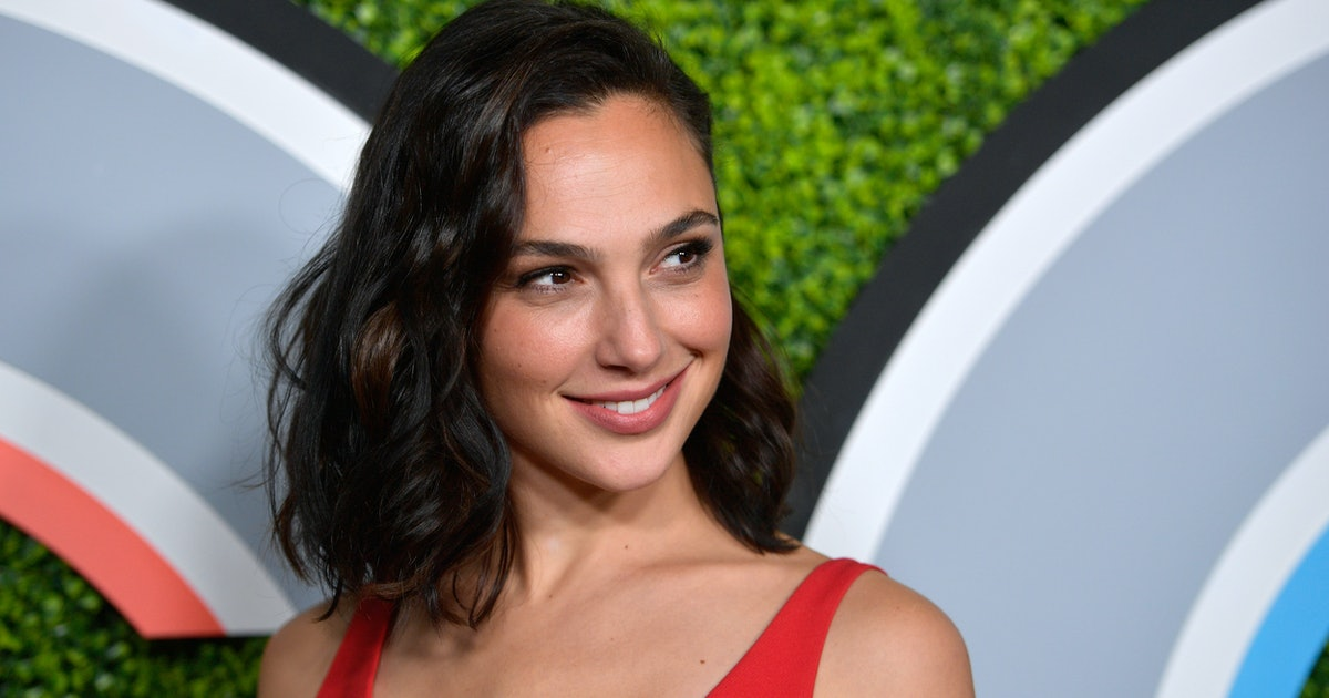 Gal Gadot's Net Worth Makes Her A Real-Life Wonder Woman