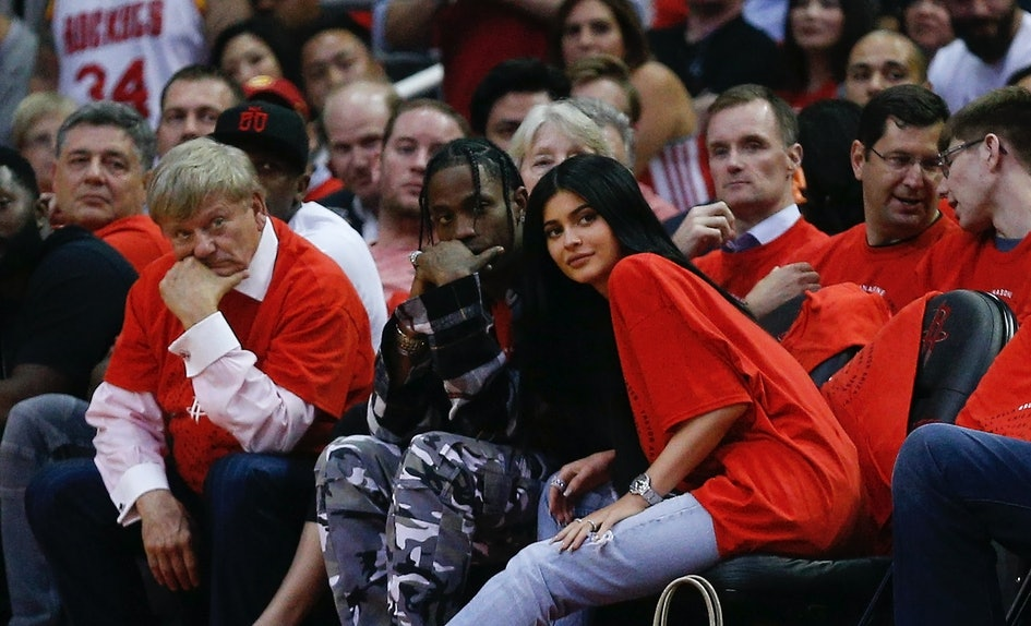 Photos Of Kylie Jenner & Travis Scott At The Kardashian Christmas ...