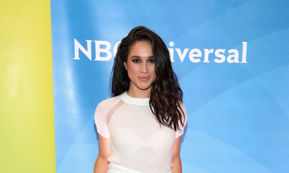 Photos of Meghan Markle\'s First Wedding Dress Prove She Admires Kate ...
