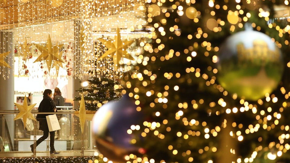 what stores are open on christmas day only a few - What Stores Are Open On Christmas Day