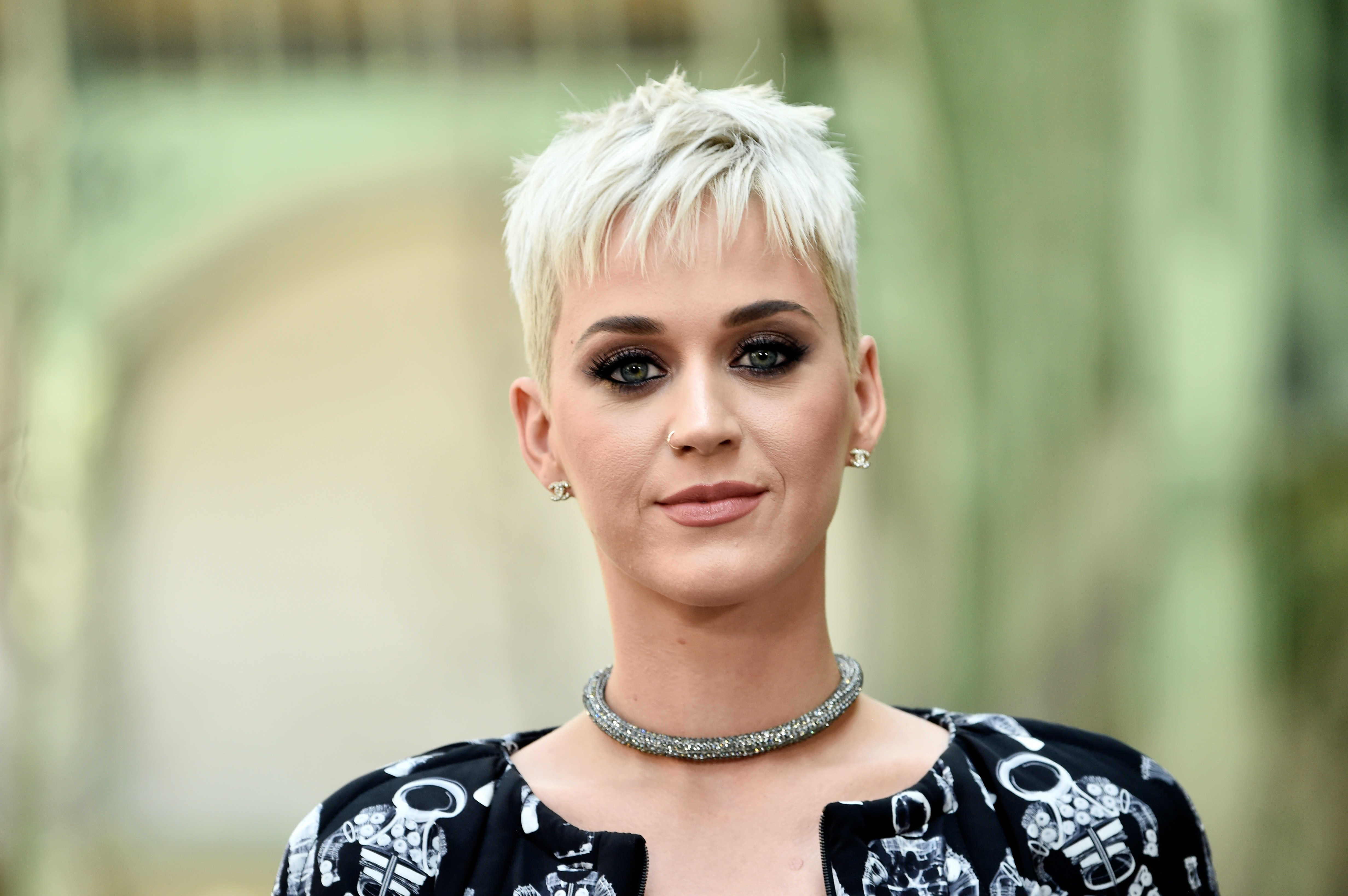 Here S The Real Reason Katy Perry Got That Pixie Cut According To The Artist Herself