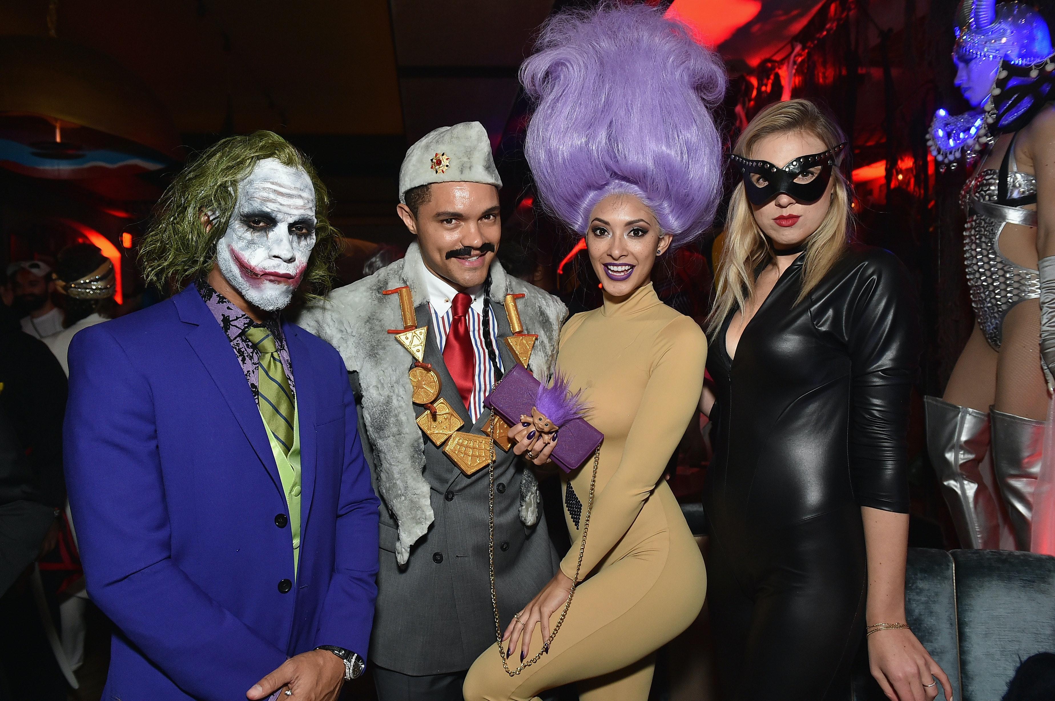 Last Minute Best Friend Halloween 2017 Costume Ideas That Are Still Super Creative  sc 1 st  Bustle & Last Minute Best Friend Halloween 2017 Costume Ideas That Are Still ...