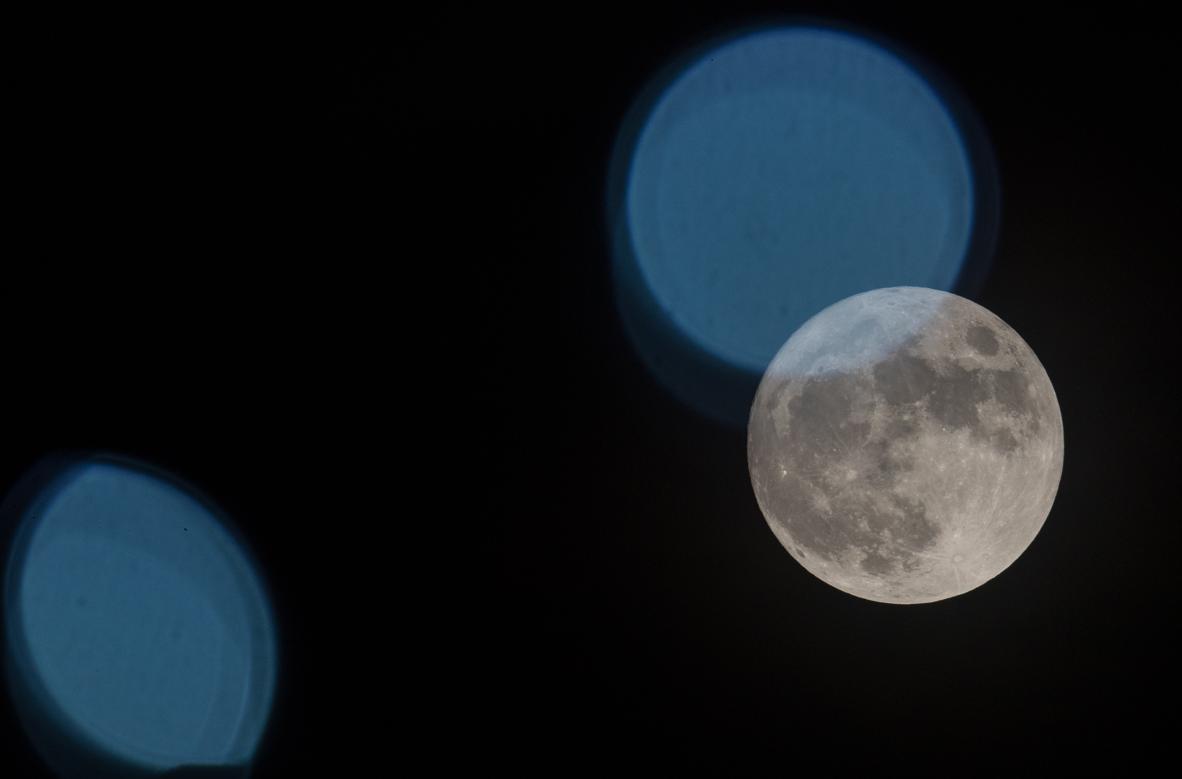 Dating a capricorn moon man