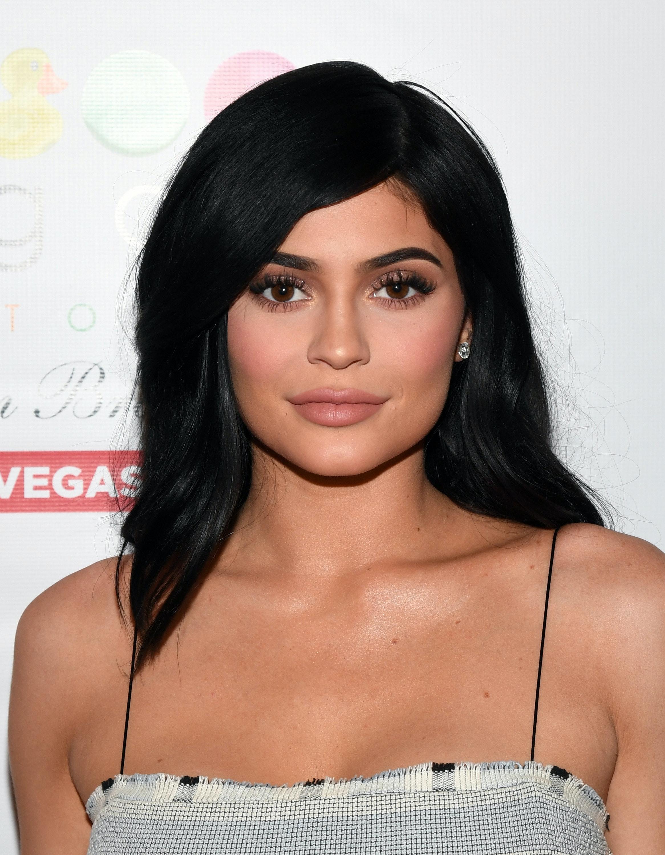 images Kylie Jenners lips beauty mistake