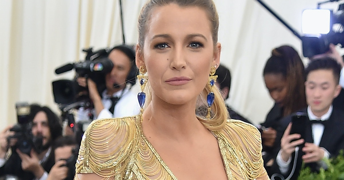 "Blake Lively Posted A ""Makeup-Free Selfie"" With Makeup On & People Didn't Get The Joke"