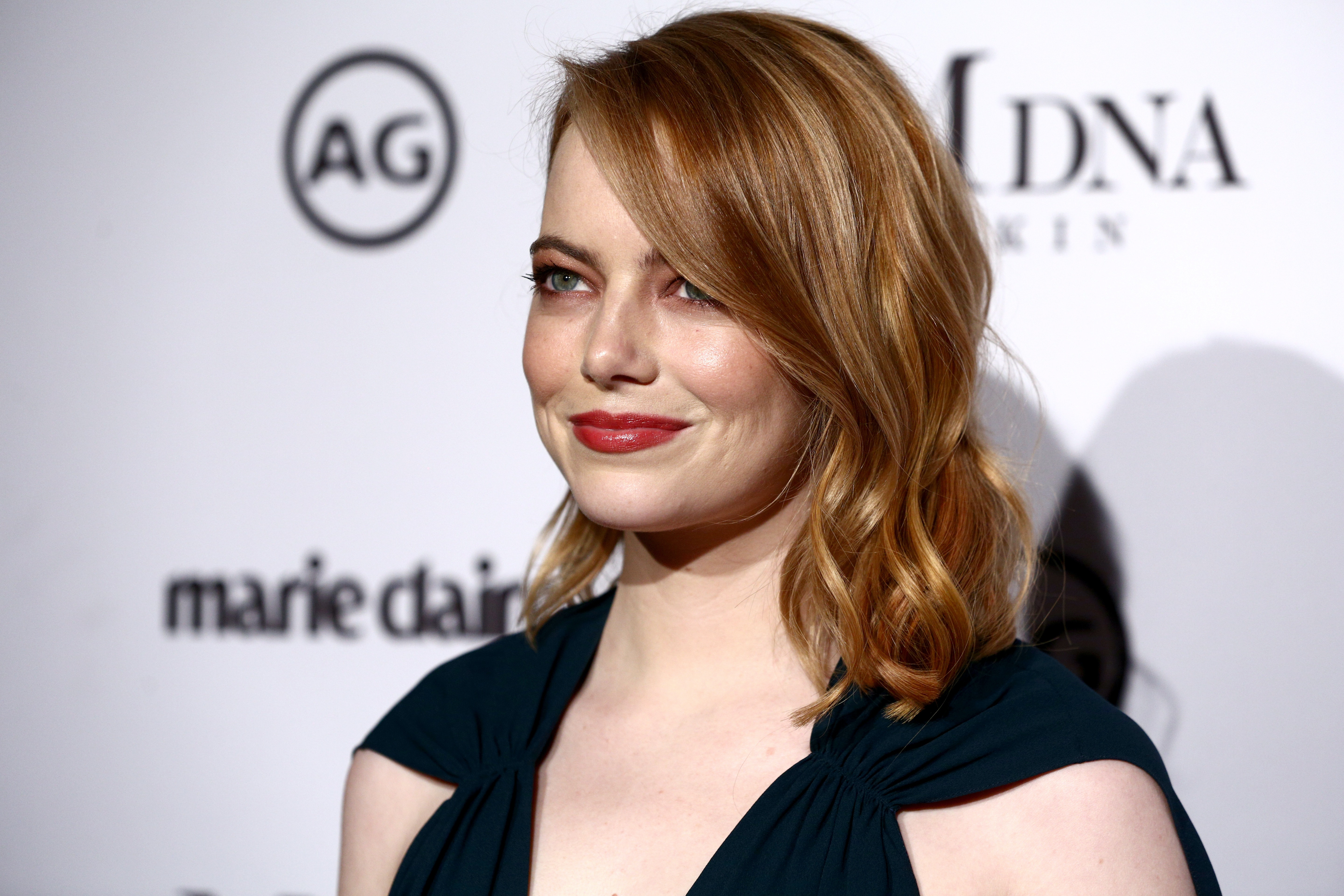 Photos Of Emma Stones Perm Are Here My Flat Iron Is Going In The