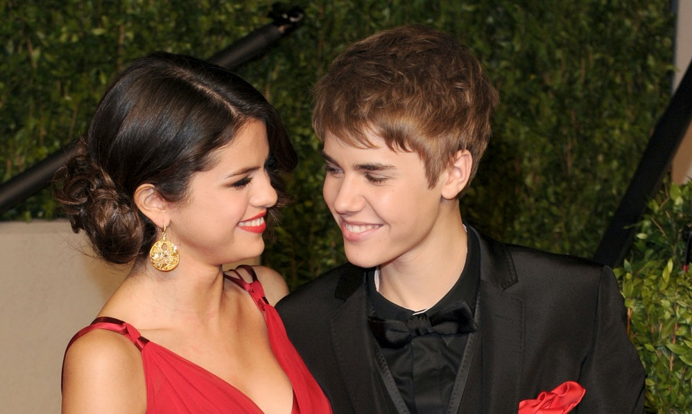 Photos Of Selena Gomez & Justin Bieber On A Hot Yoga Date Will Make You  Sweat