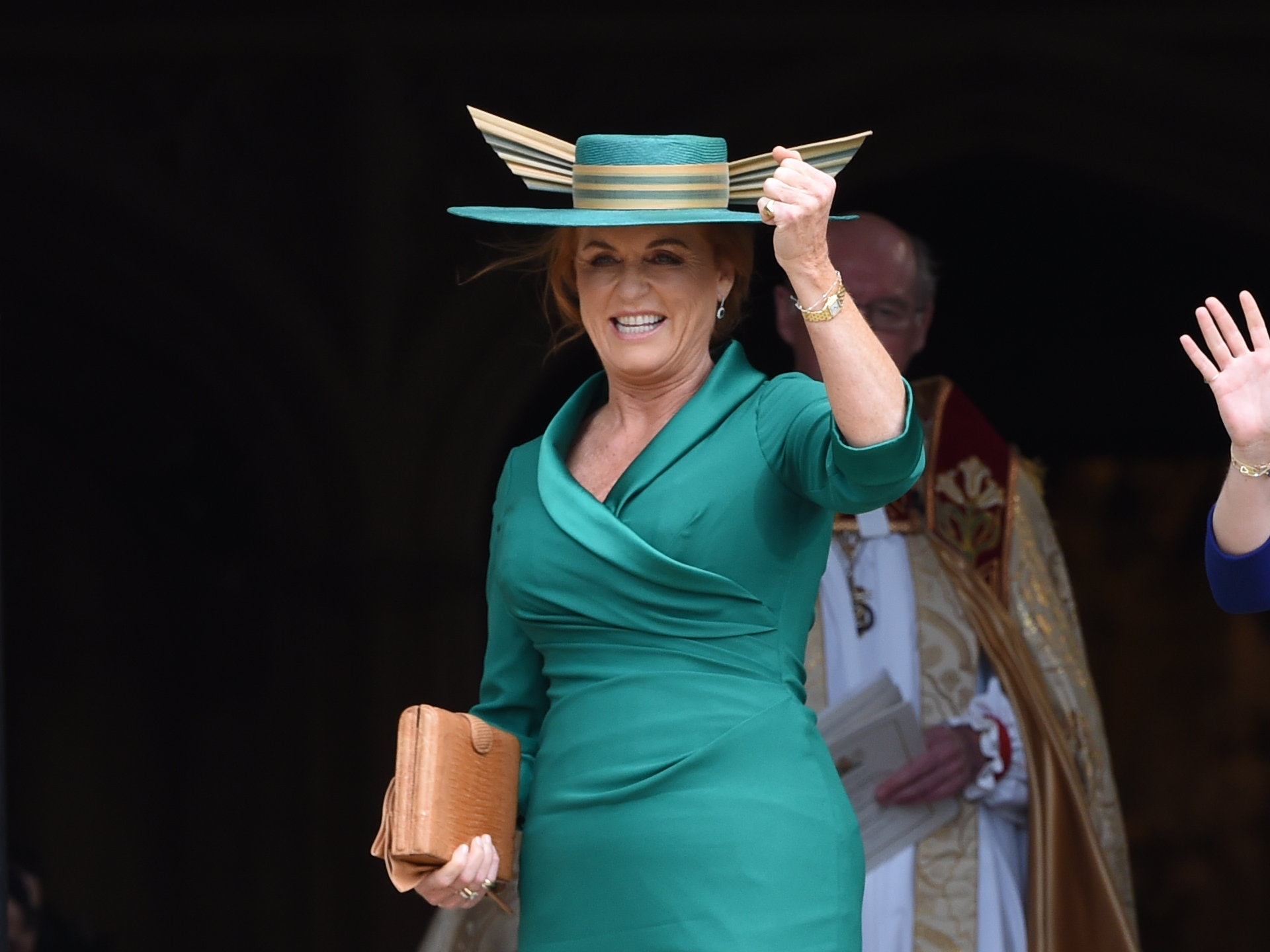 Fergie s Royal Wedding Hat Looks Like The Golden Snitch From  Harry  Potter 05d694c72f9