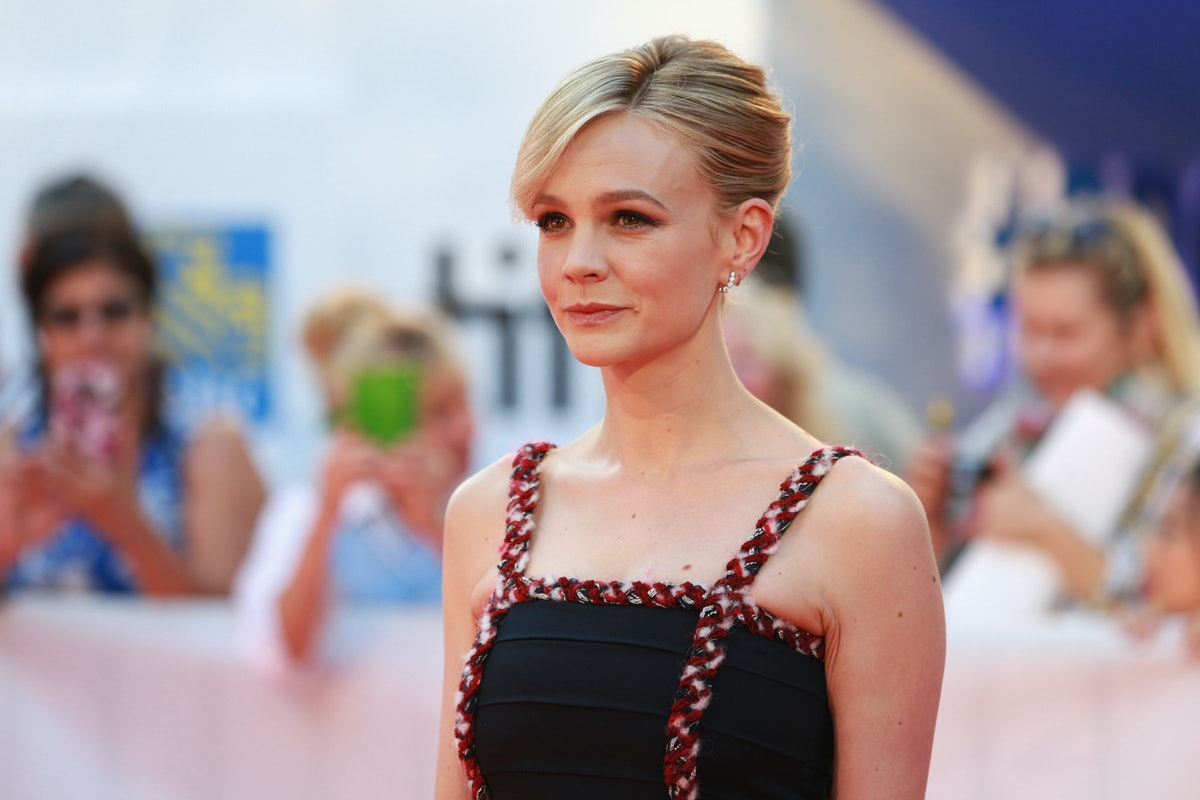 Recreate Carey Mulligan's Style With These Cold Weather-Approved Shirt Dresses