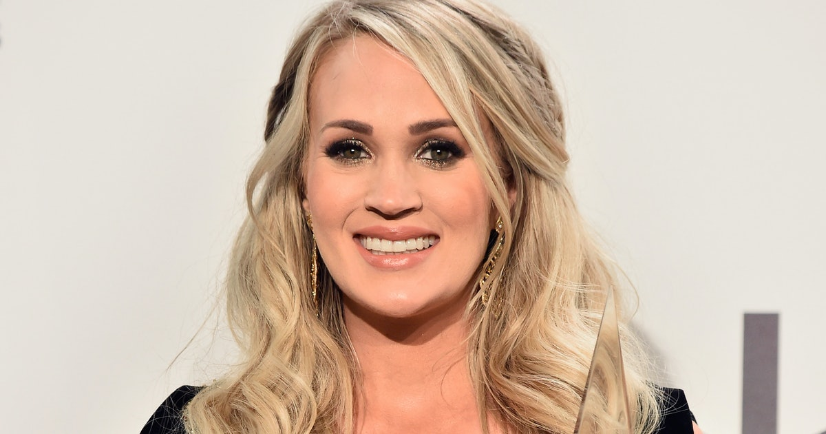 carrie underwood pregnant