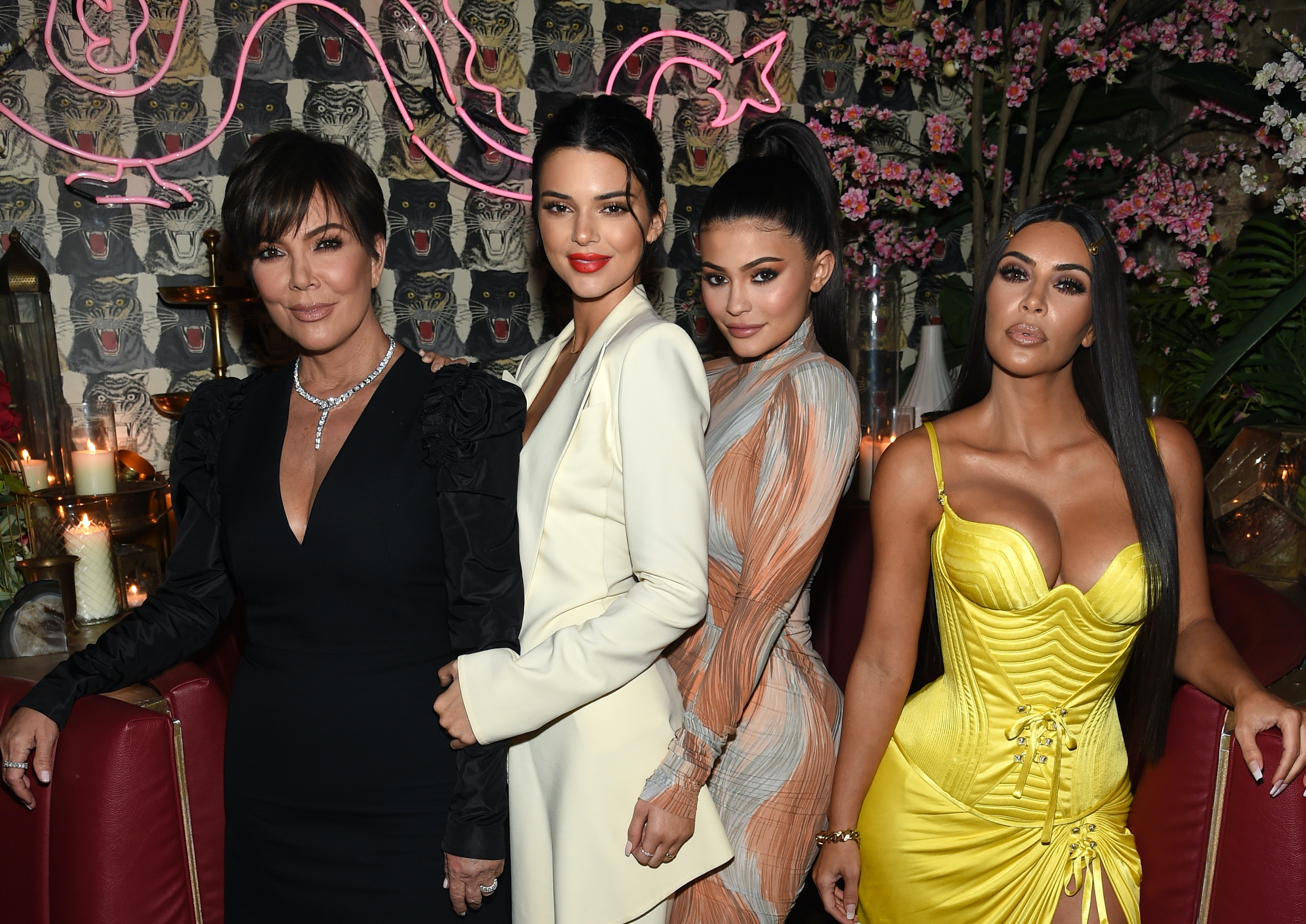 3d29d13a5523 These Kardashian Group Costume Ideas Are Perfect For You   Your Besties  This Halloween
