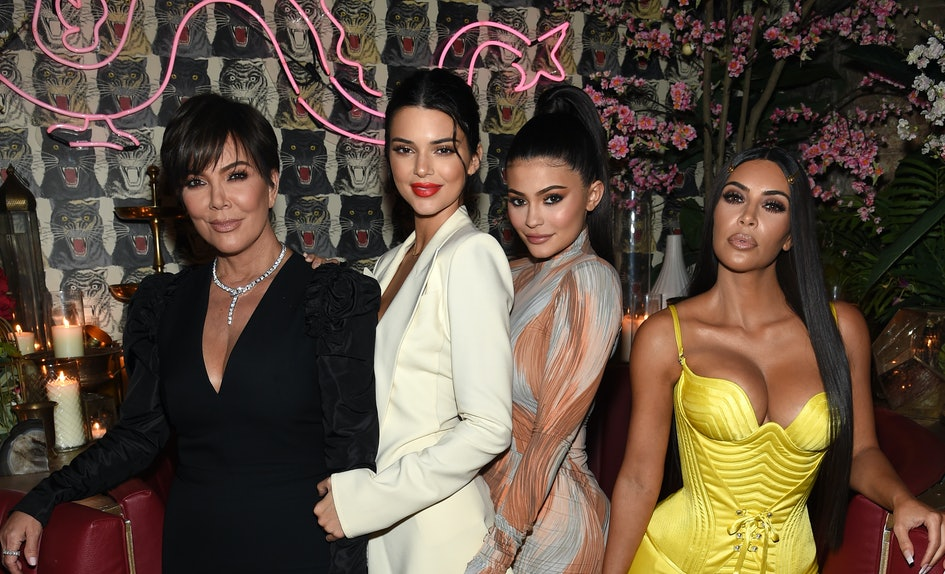 these kardashian group costume ideas are perfect for you your besties this halloween