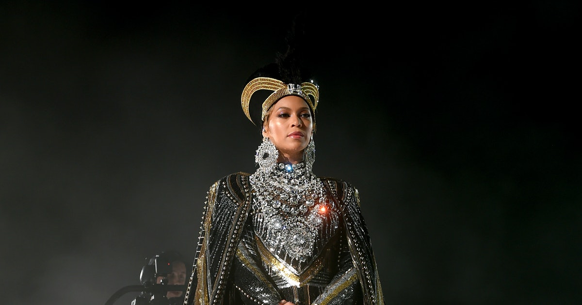 """Beyoncé Sings """"Can You Feel The Love Tonight"""" In This New 'Lion King' Trailer — VIDEO"""