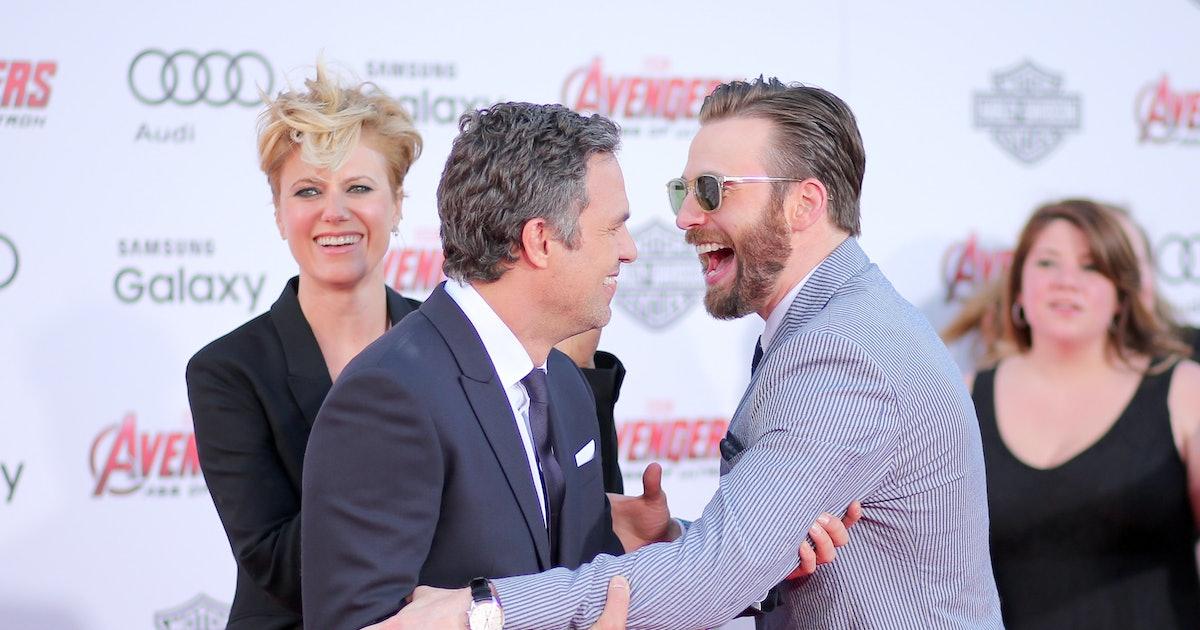 Mark Ruffalo's Captain America-Themed July 4 Post Featured A Callback To A Fan-Favorite 'Endgame' Joke