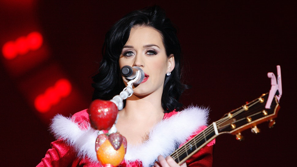 Katy Perry Cozy Little Christmas.Katy Perry S New Song Cozy Little Christmas Emphasizes The
