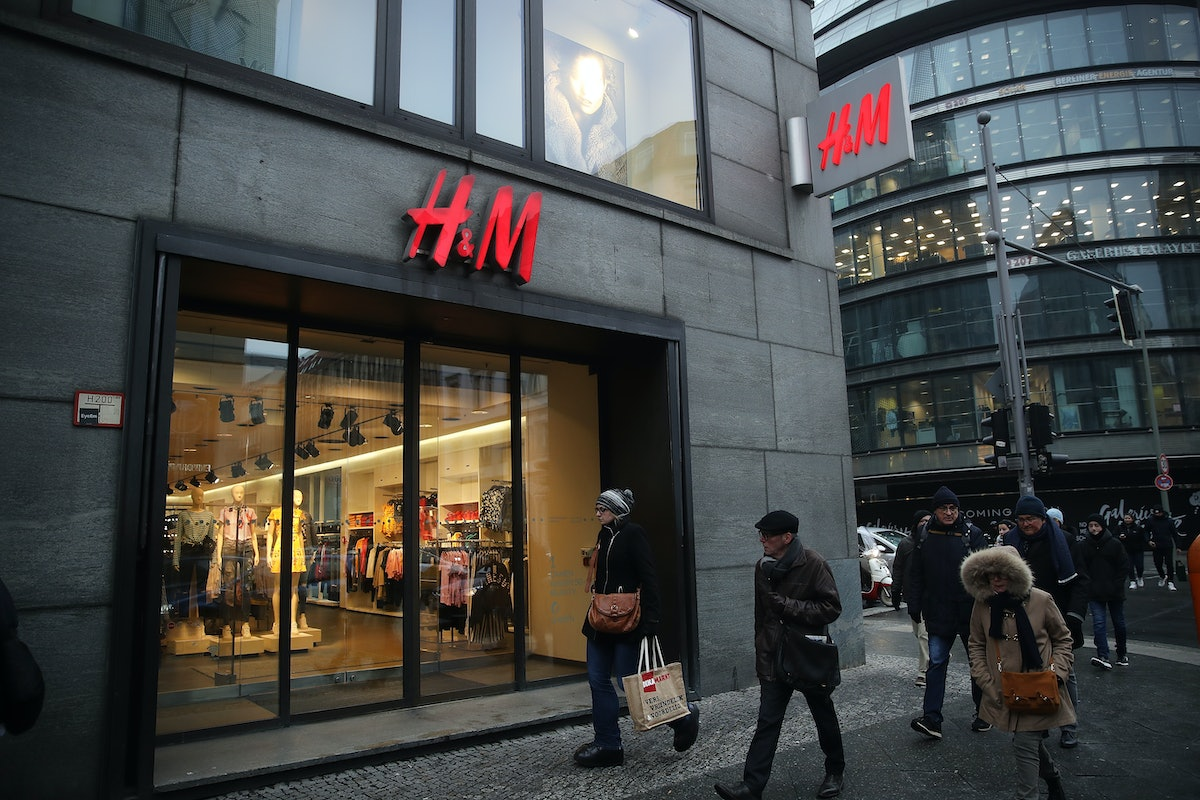 H&M's Loyalty Shopping Program Gives You Discounts & Free Perks Every Time You Shop