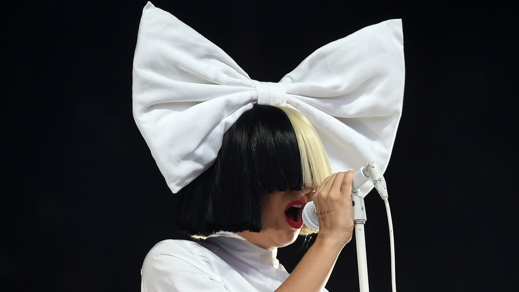 Sia Christmas.Sia Just Dropped 3 New Christmas Songs That Ll Fill You With
