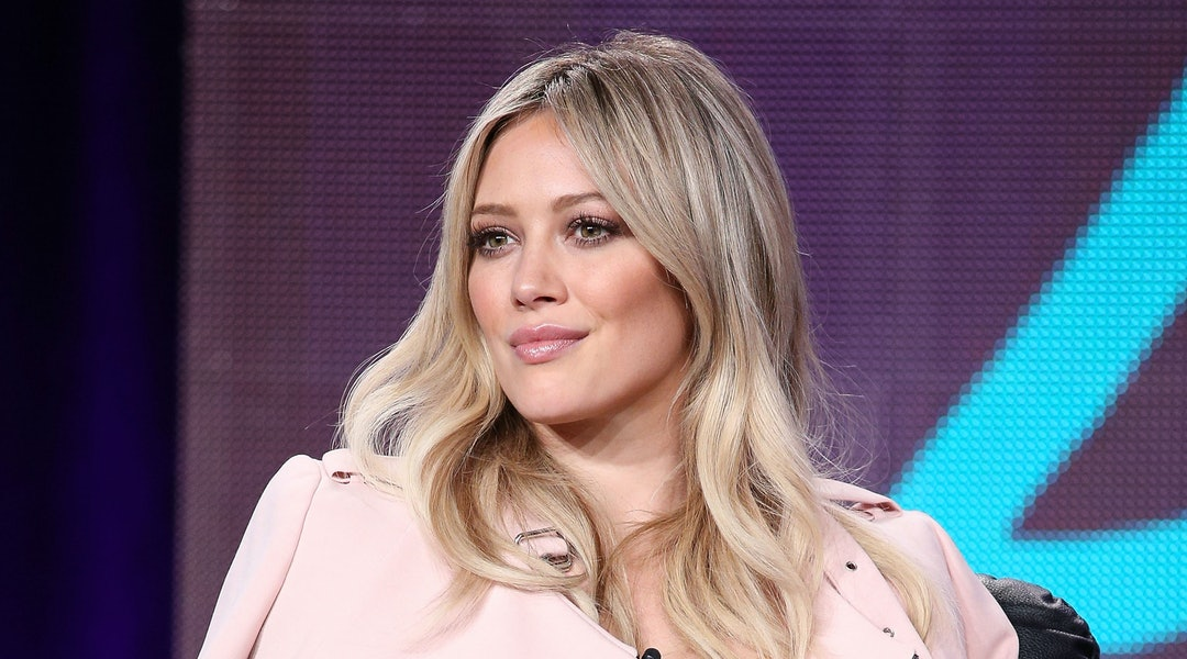Hilary Duffs New Platinum Hair Is An Icy Shade Worth Trying