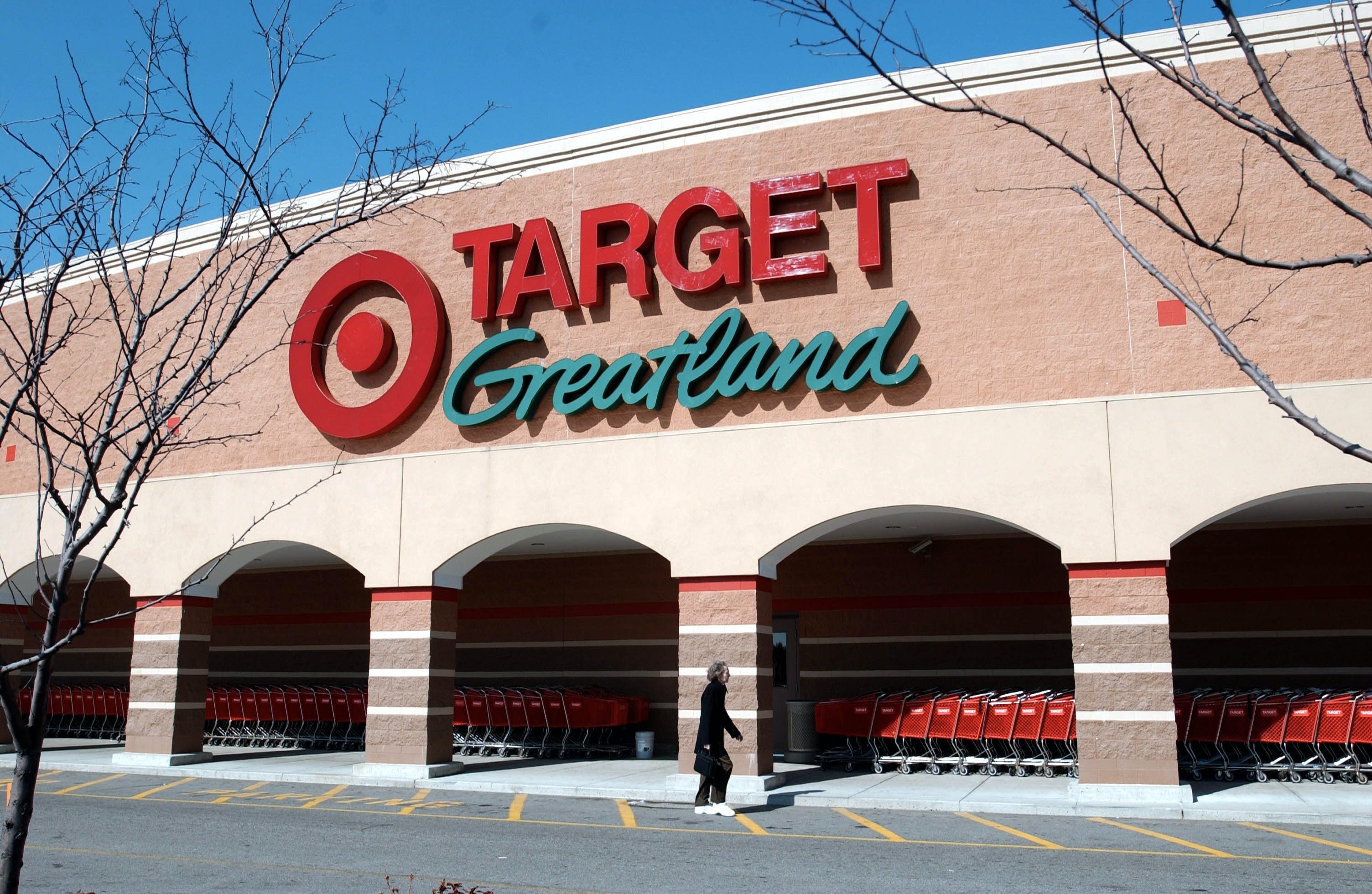 Target Christmas Commercial 2018.Target S Christmas Eve 2018 Hours Could Seriously Save Your