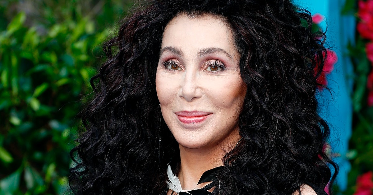 Cher Has A Book Coming Out In 2020 & Hopefully It's As Good As Her Twitter  Feed