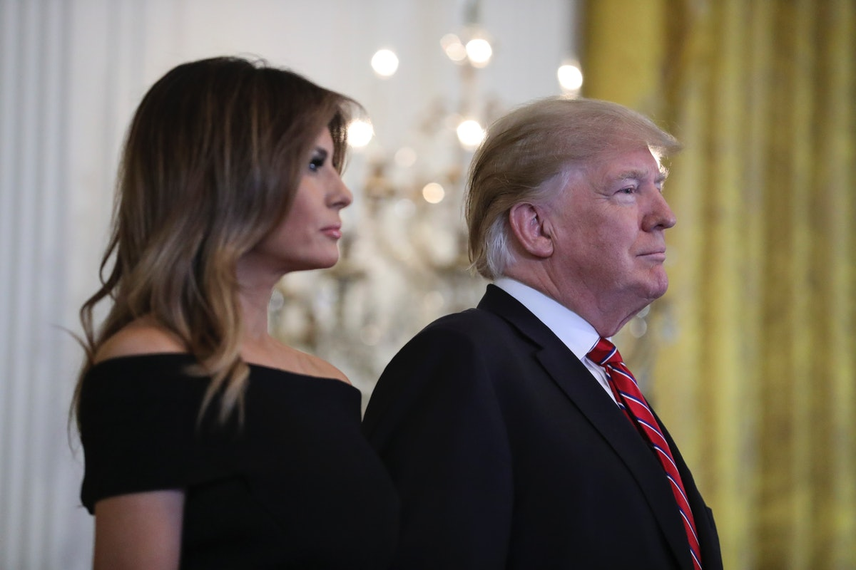 Donald & Melania Trump's 2018 White House Christmas Portrait Is A Festive End To The Year