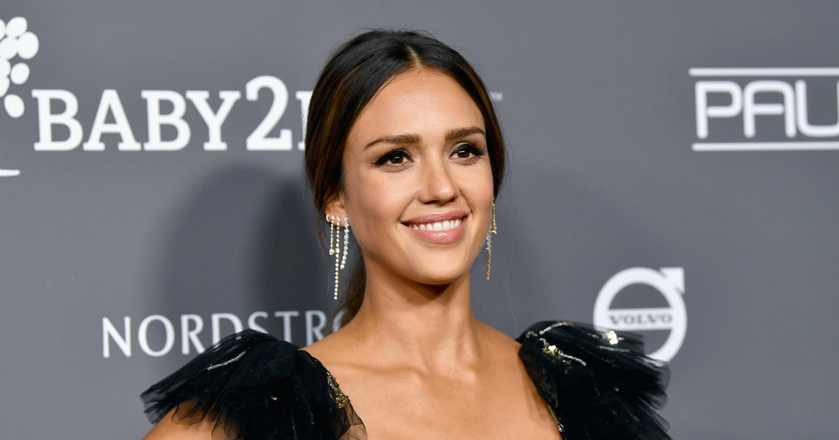 Jessica Alba's Salvatore Ferragamo Bag Is The Perfect Accessory For Her Little White Dress