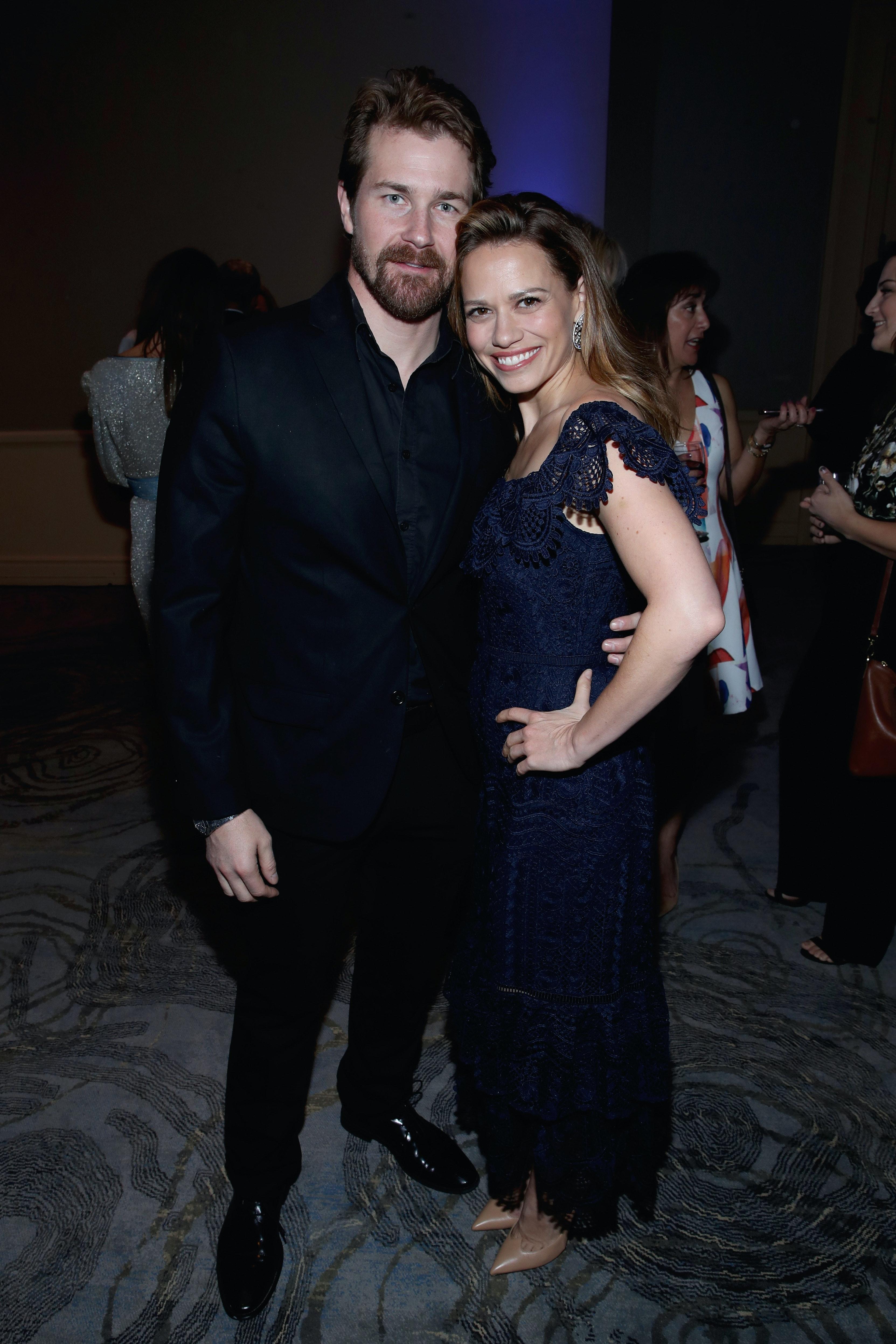 Michael och Kelly dating