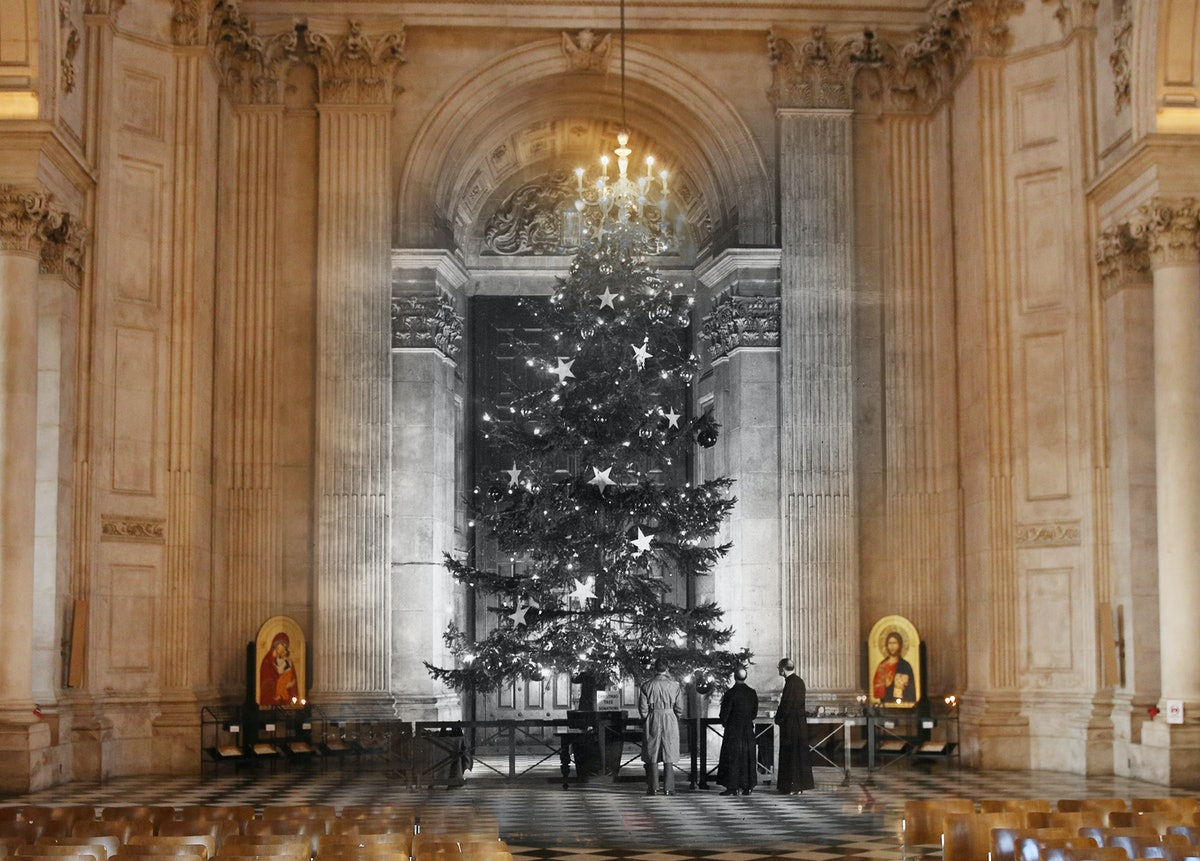 6 Creepy Things Royals Have Done During The Holidays