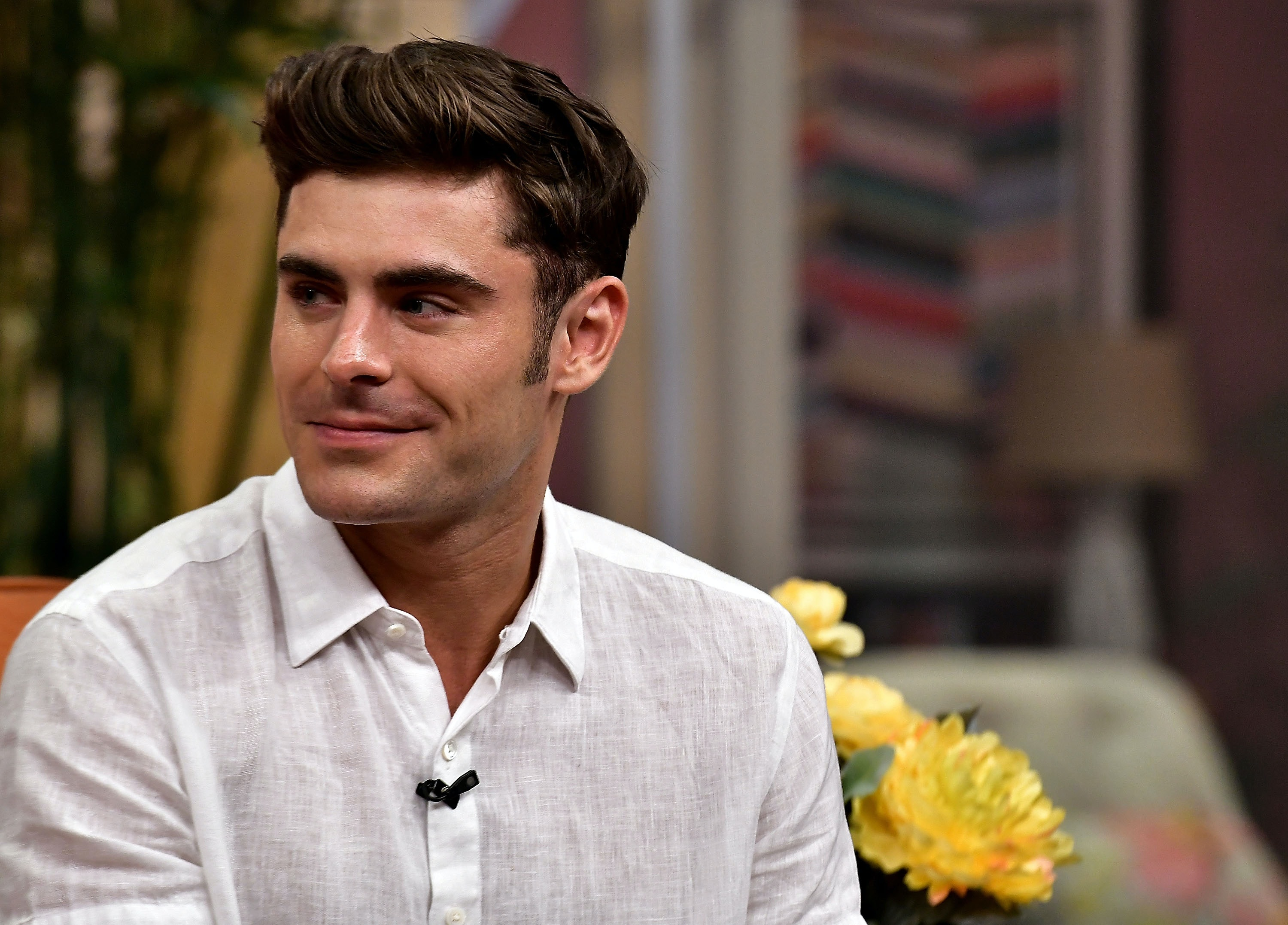 Whos zac efron dating now 2019
