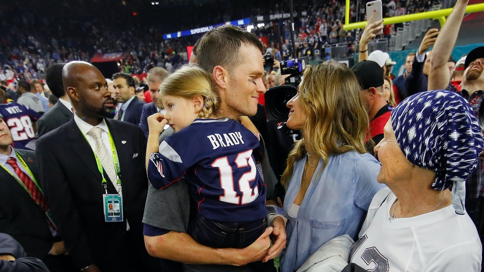 Gisele & Tom Brady's Kids Are At The 2018 Super Bowl & Making It A