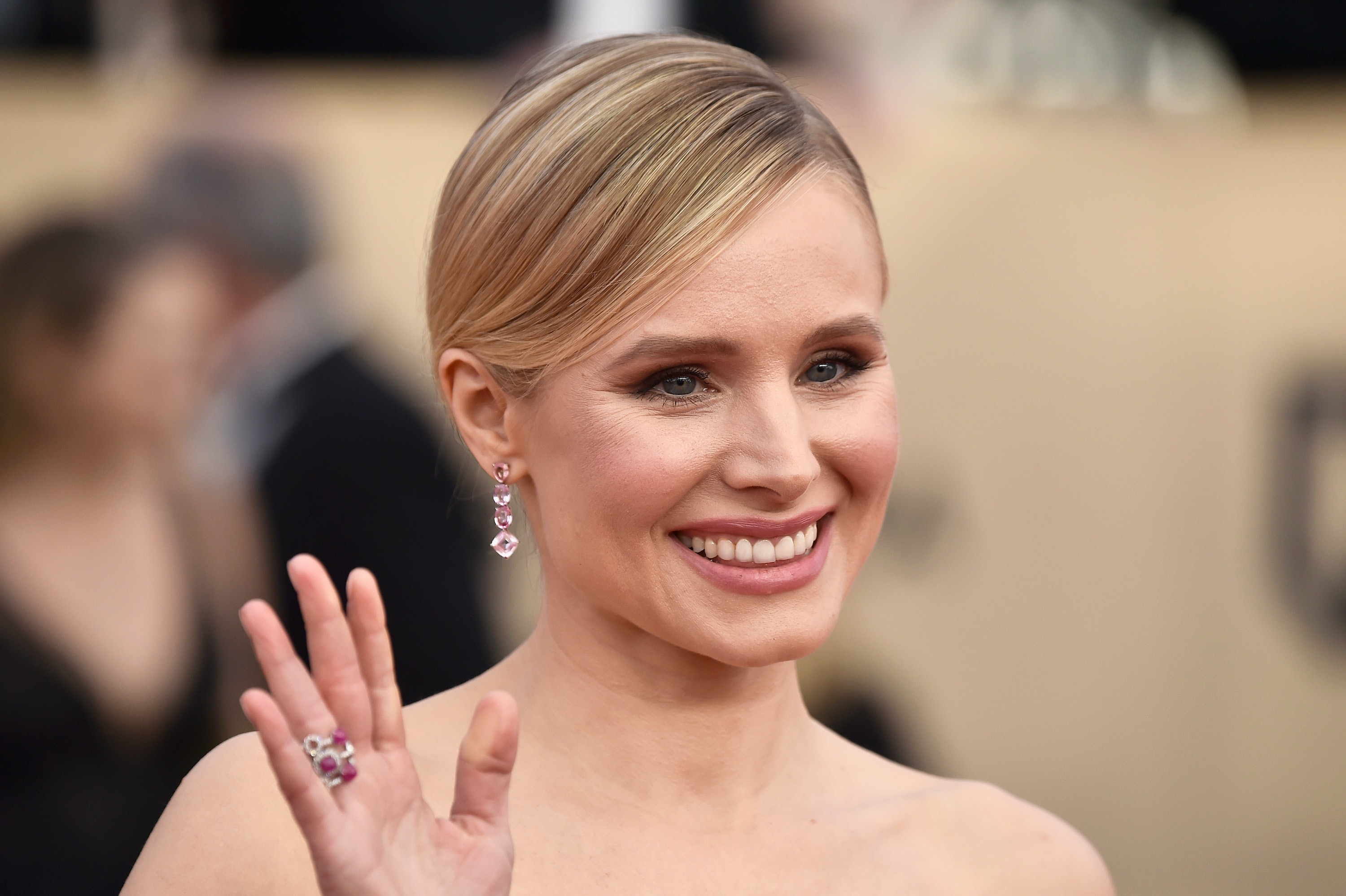 Kristen Bell Uses This Controversial Parenting Hack to Put Her 3-Year-Old to Bed photo