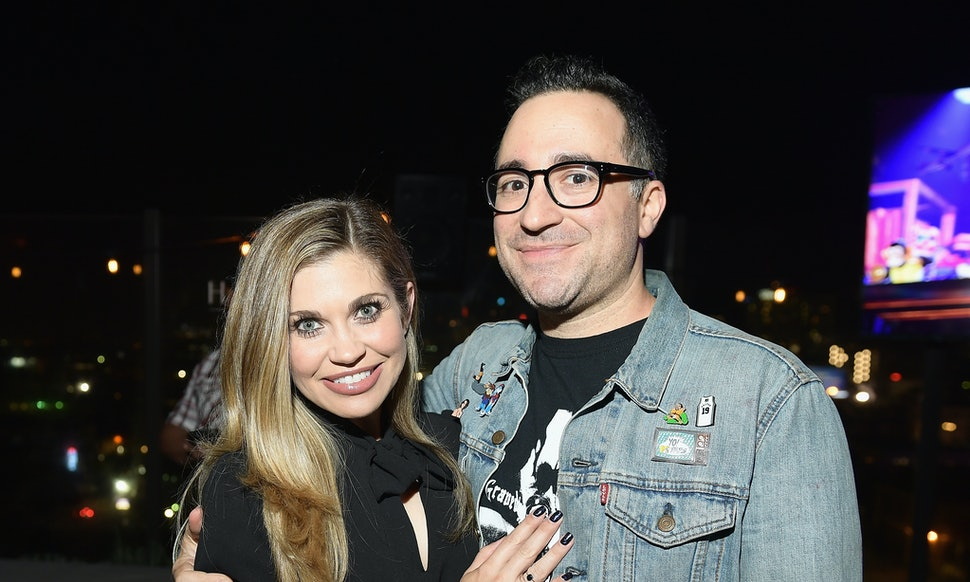 Boy Meets World Star Danielle Fishel Is Engaged The Proposal