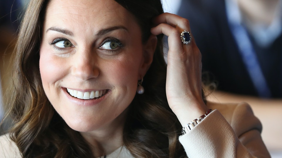 Was Kate Middleton S Engagement Ring Princess Diana Here The Story Behind It