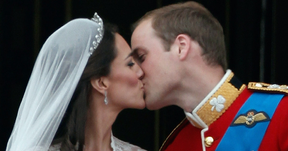Why Do Royals Kiss On A Balcony? This Is How The British Wedding Tradition Started