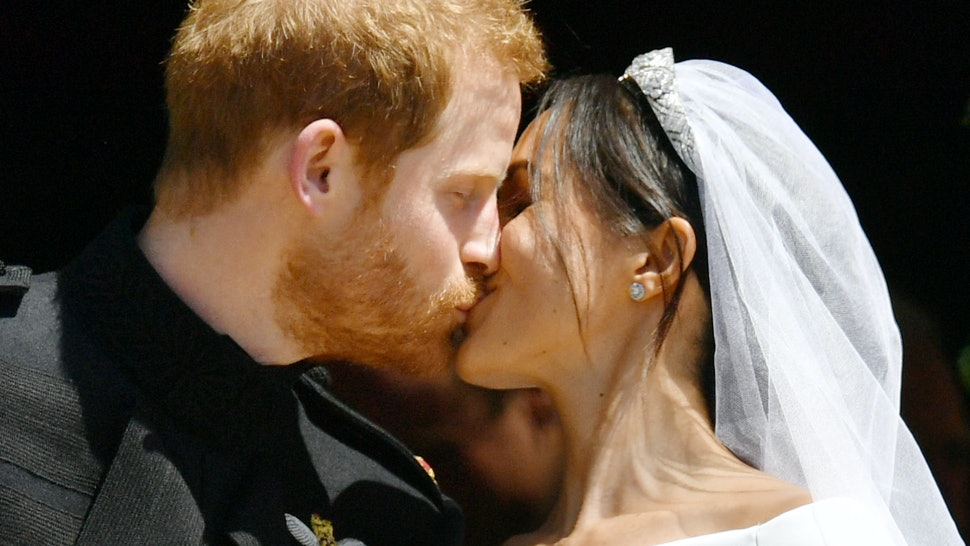 86435823cfc541 Who Designed Meghan Markle's Wedding Dress? The Designer Is Totally  Unexpected