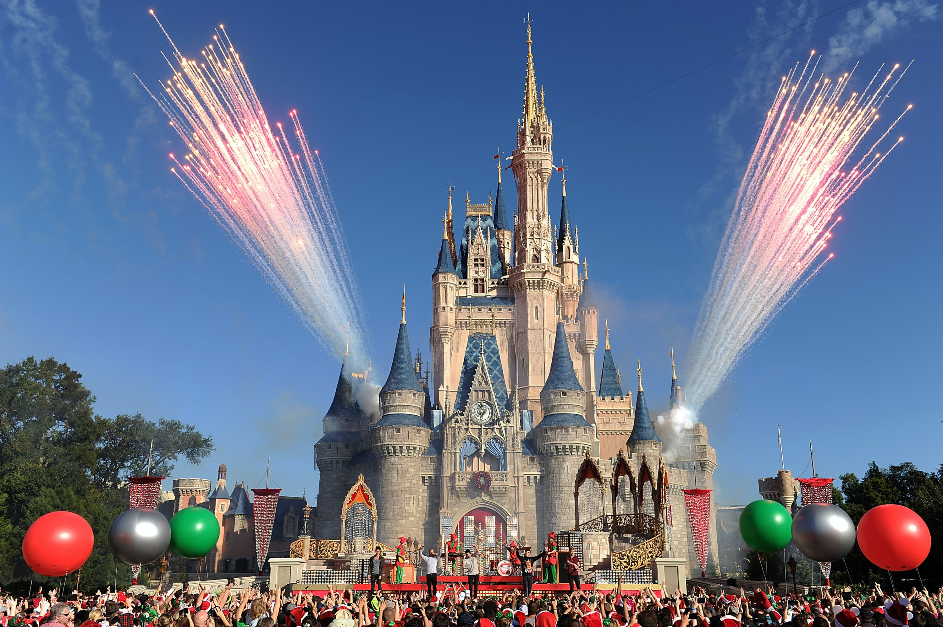 Alcohol At Disney World Will Now Be Served At All