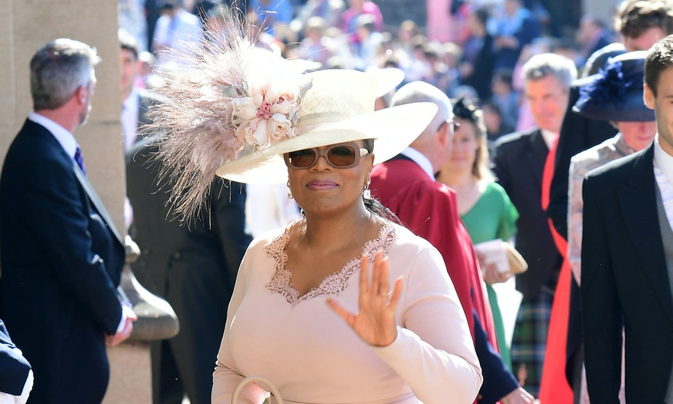 Oprah Winfrey Changed Her Royal Wedding Dress At The Last Minute For ...