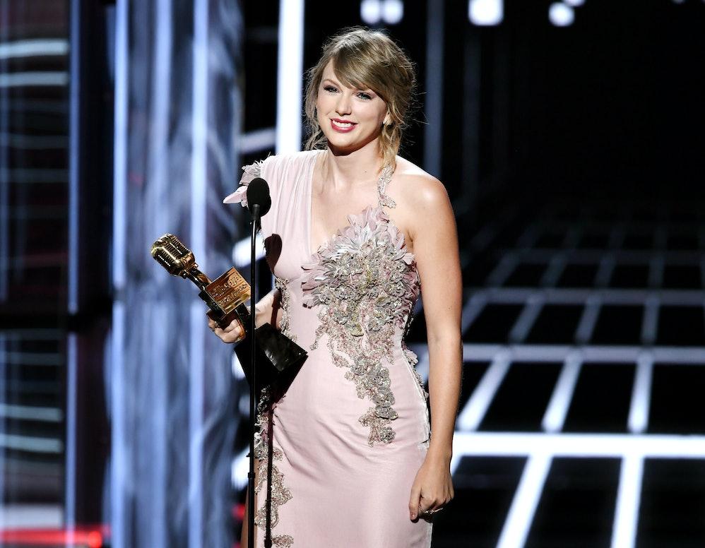 Картинки по запросу Billboard Music Awards 2018 Taylor Swift