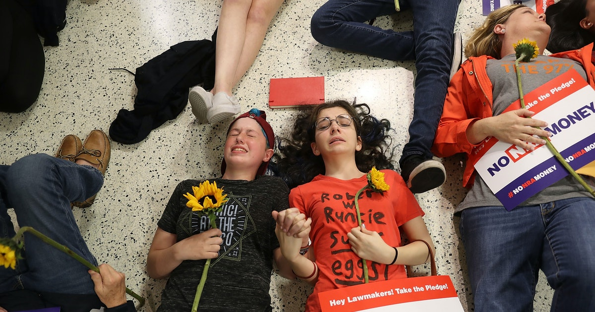 "Parkland Students' ""Die-In"" At Publix Was Crashed By Trump Fans — But Their Protest Worked Anyway"