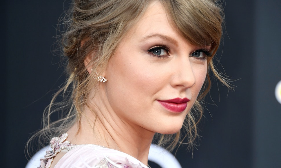 Taylor swift was told to shower as a joke people have serious taylor swift was told to shower as a joke people have serious feelings about it stopboris Image collections