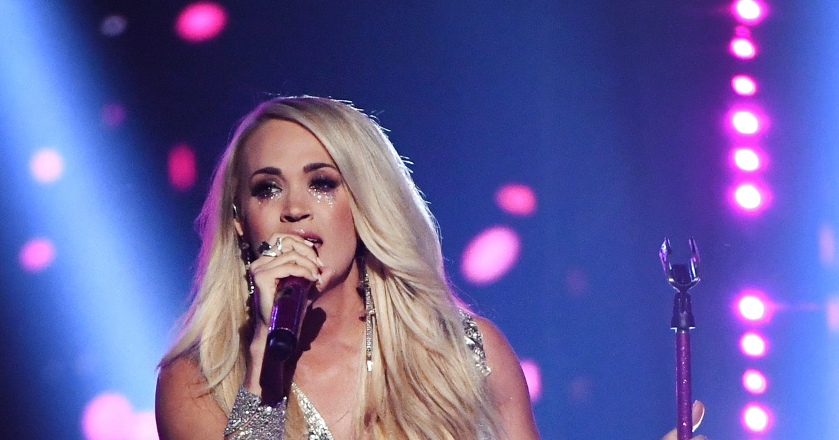 """Carrie Underwood's """"Cry Pretty"""" Video Proves There's Strength In Vulnerability"""