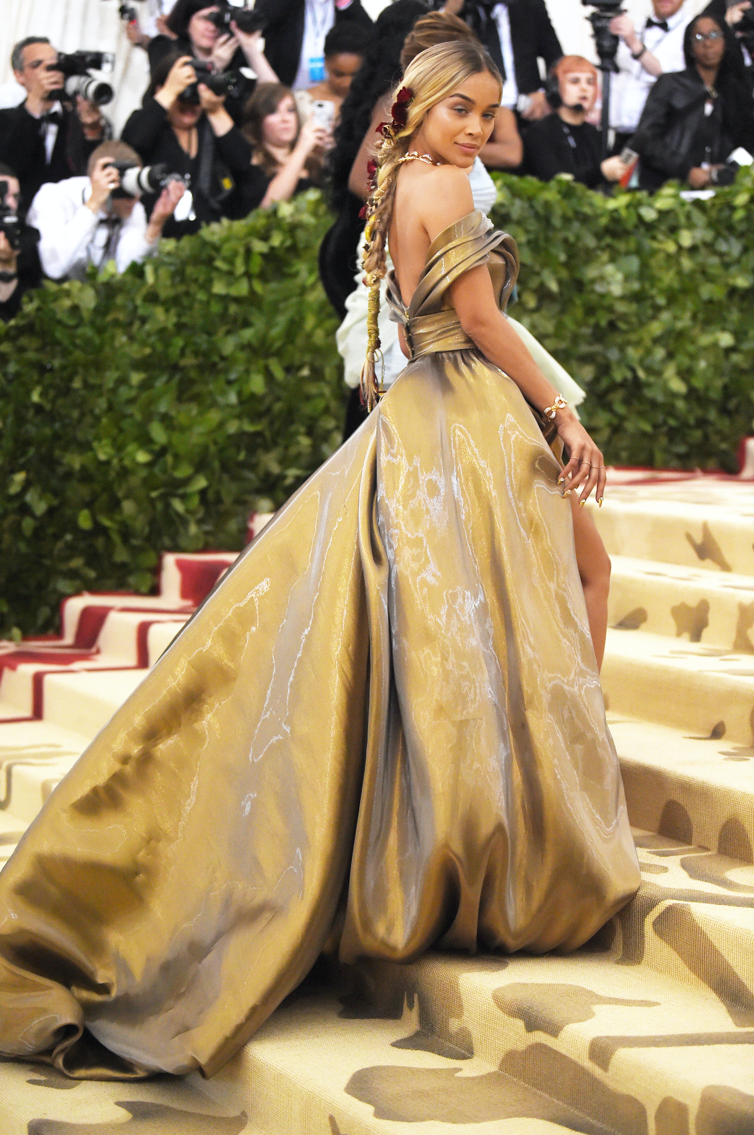 Jasmine Sanders Wore A Dress That Looks EXACTLY Like Belle\'s To The ...